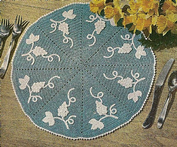 GRAPE Vintage Crochet Place Mat Doily Pattern 15 1/2